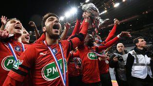 Les joueurs du Stade rennais, vainqueurs de la Coupe de France, le 27 avril 2019 au Stade de France. (ANNE-CHRISTINE POUJOULAT / AFP)