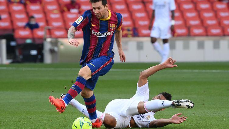 Lionel Messi rentre un peu plus dans la légende du Barça (LLUIS GENE / AFP)
