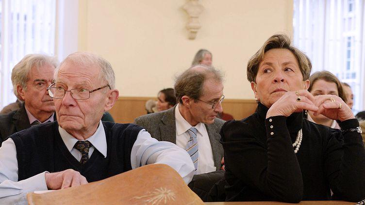 Les parents de Vincent Lambert, Pierre et Viviane Lambert, au tribunal administratif de Châlons-en-Champagne (Marne),le 15 janvier 2014. (HERVE OUDIN / AFP)