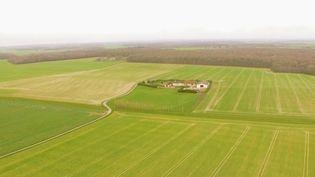 Le Salon de l'agriculture, la plus grande ferme de France, ouvrira ses portes samedi 22 février. À cette occasion, France 2 s'interroge sur les exploitations du futur. (FRANCE 2)