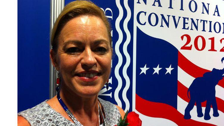 """Sherry Rickard, du Nevada, souhaite que Mitt Romney """"remette la responsabilité du pays dans les mains des citoyens"""", a-t-elle expliqué lors de la Convention républicaine, à Tampa, le 30 août 2012. (MARION SOLLETTY / FTVI)"""