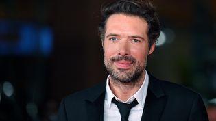 """Nicolas Bedos lors de la présentation de son film """"La belle époque"""" au Festival du film de Rome, le 20 octobre 2019 (ETTORE FERRARI / ANSA)"""
