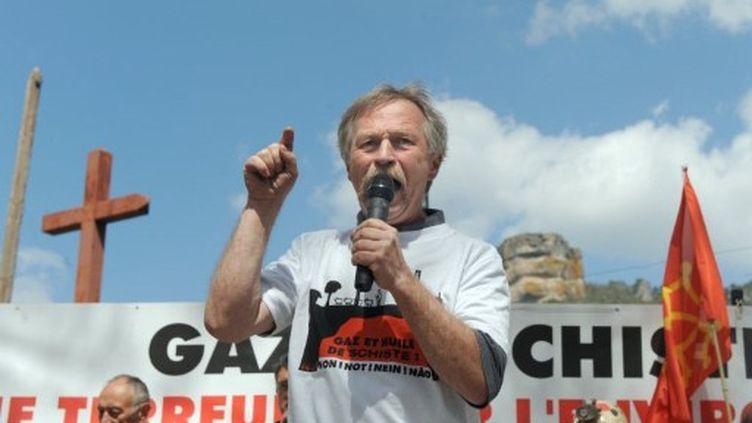 La croisade de José Bové contre le gaz de schiste (Nantes, 17 avril 2011) (AFP/Eric Cabanis)