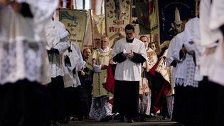 """Manifestation de catholiques intégristes contre la pièce """"Golgota picnic"""" partis de l'Eglise Saint-Nicolas du Chardonnet  (Joël Saget / AFP)"""