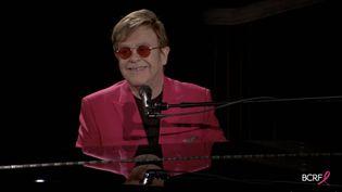 Le chanteur Elton Johnlors de la soirée Virtual Hot Pink de la Breast Cancer Research Foundation, en mai 2021. (JAMIE MCCARTHY / GETTY IMAGES NORTH AMERICA)