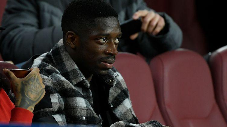Ousmane Dembélé, dans les tribunes du Camp Nou le 2 février 2020 (LLUIS GENE / AFP)