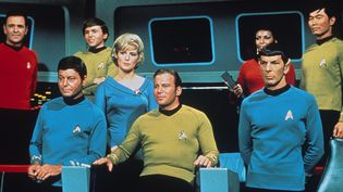 Les acteurs de la série Star Trek : James Doohan, Walter Koenig, Deforest Kelley, Majel Barrett, William Shatner, Nichelle Nichols, Leonard Nimoy, George Takei  ( Paramount Television / The Kobal Collection / AFP)