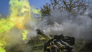 Un soldat arménien, le 25 octobre 2020, pendant les combats entre les forces arméniennes et azerbaïdjanaisesdans la région sécessionniste du Haut-Karabakh. (ARIS MESSINIS / AFP)