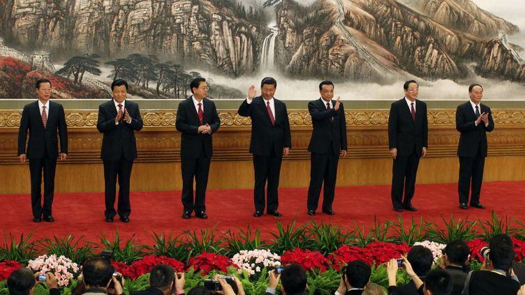 Le bureau politique du PC chinois le 15 novembre 2012 à Pékin. Au centre le président du pays,Xi Jinping. (Reuters - Carlos Barria)