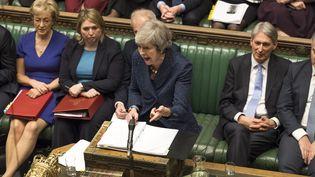 La Première ministre britannique Theresa May devant la chambre des Communes, mercredi 12 décembre 2018 à Londres (Royaume-Uni). (MARK DUFFY / AFP)