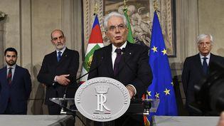 Le présidentitalien, Sergio Mattarella, devant les journalistes après sa rencontre avec Giuseppe Conte, dimanche 27 mai 2018, au palais du Quirinal à Rome (Italie). (VINCENZO PINTO / AFP)