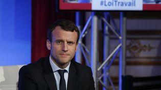 Le ministre de l'Economie, Emmanuel Macron, lors d'une conférence de presse, à Matignon, le 14 mars 2016. (PATRICK KOVARIK / AFP)