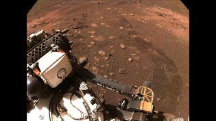 Le rover Perseverance a pris une photo de son déplacement sur Mars, le 4 mars 2021. (NASA / JPL-CALTECH / AFP)