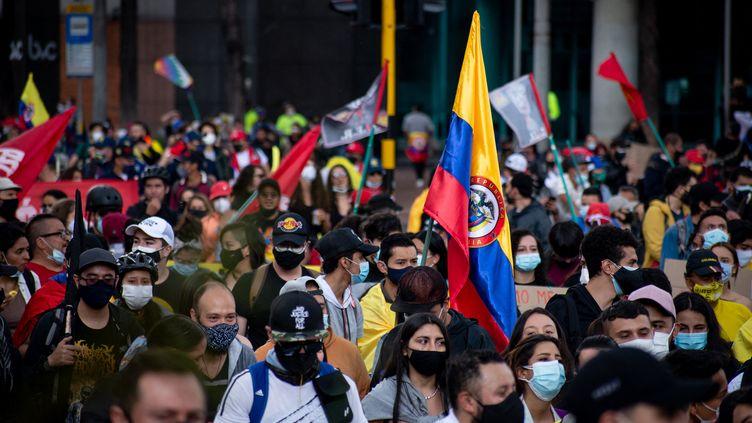 Une manifestation le 1er mai 2021 à Bogota, la capitale de la Colombie, contre une réforme fiscale du président conservateur Ivan Duque. (VANNESSA JIMENEZ G / NURPHOTO)