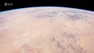 La Terre vue de l'espace filmée par Thomas Pesquet dans une vidéo mise en ligne le 5 mai 2017. (ESA / NASA)