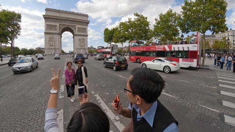 (Les touristes asiatiques très concenés par les questions de sécurité © JPDN/SIPA)