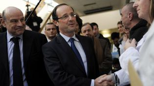 François Hollande a rencontré le personnel médical du CHU Robert Debré, à Paris (AFP)