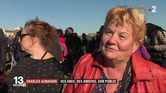Charles Aznavour : son public et ses amis lui rendent un dernier hommage