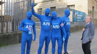 Des militants de l'AfD à Berlin, le 8 mai 2014. (SALOME LEGRAND / FRANCETV INFO)