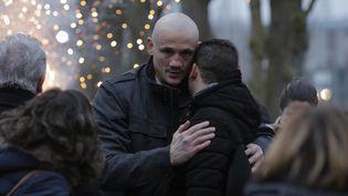 Christophe Dettinger, à sa sortie de la prison de Fleury-Mérogis, le 20 février 2019. (GEOFFROY VAN DER HASSELT / AFP)