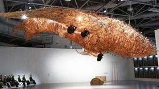 (Bon voyage : 10.000 objets confisqués à l'aéroport), 2004, CAI Guo-Qiang  (Philippe Migeat/Centre Pompidou, MNAM-CCI/Dist. RMN-GP/Cai Studio)