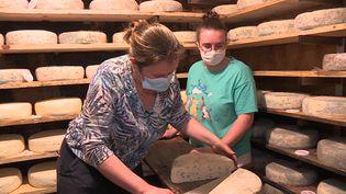 Rencontre avec une productrice de fromage dans le Vercors. (France 3 / capture d'écran)