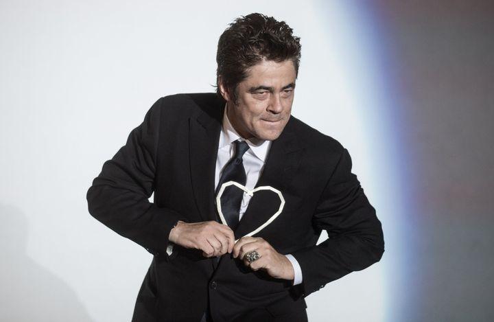 Benicio Del Toro recevant son prix à la carrière.  (Matej Leskovsek/SIPA)