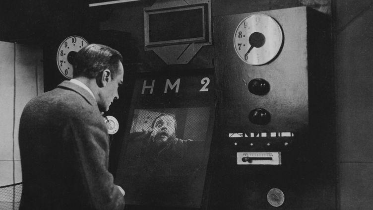 """Le réalisateur Fritz Lang montrait un vidéophone dans """"Metropolis"""",en 1927. (KOBAL / AFP)"""