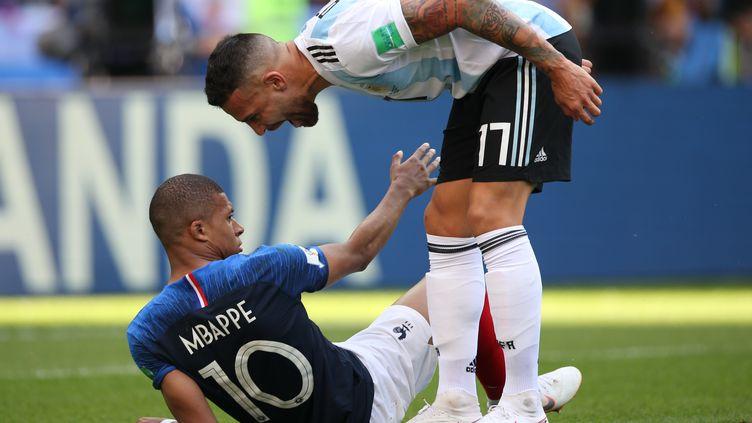 Les Argentins ont fait preuve d'une grande agressivité face aux Bleus.  (ROMAN KRUCHININ / AFP)
