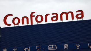 Une enseigne Conforama à Vendin-le-Vieil (Pas-de-Calais). (DENIS CHARLET / AFP)