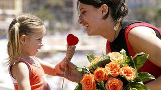 A l'école d'Allinges (Haute-Savoie), les enseignants ont décidé de ne pas faire fabriquer de cadeau à leurs élèves pour la fête des mères qui a lieu le 25 mai 2014 (photo d'illustration). (MAXPPP)