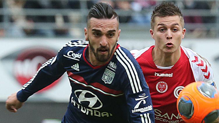 Miguel Lopes au duel avec Nicolas de Preville (à droite) (FRANCOIS NASCIMBENI / AFP)
