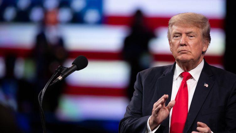 Donald Trump s'exprime lors d'une conférence à Dallas (Etats-Unis), le 11 juin 2021. (ANDY JACOBSOHN / AFP)