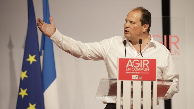 Jean-Christophe Cambadélis prononce un discours lors de l'université d'été du PS à La Rochelle (Charente-Maritime), le 30 août 2015. (MAXPPP)