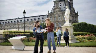 """Le jeu de piste et d'énigmes """"Secret d'Arcadie"""", installé dans le jardin des Tuileries de Paris du 10 juillet au 29 août. (FLORENCE BROCHOIRE)"""