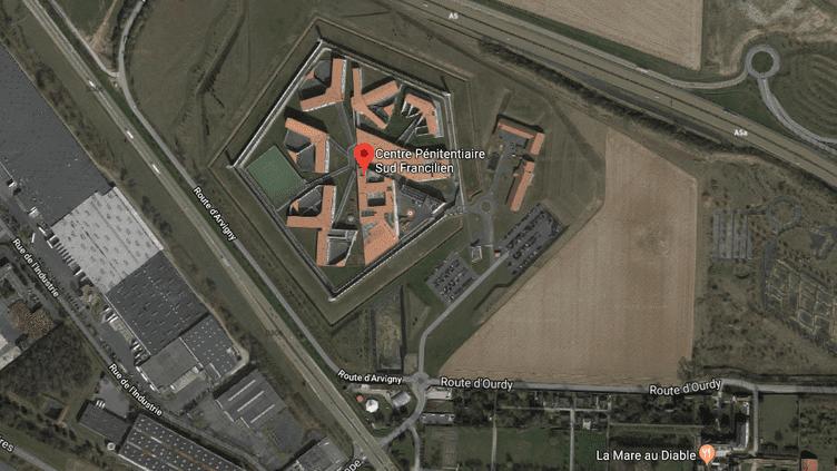 Vue aérienne de la prison de Réau, d'où Redoine Faïd s'est évadé en hélicoptère le 1er juillet 2018. (GOOGLE MAPS / FRANCE INFO)