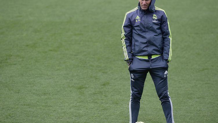 Zinedine Zidane lors d'un entraînement du Real (JAVIER SORIANO / AFP)