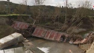 La reconstruction tarde dans l'Aude, après les inondations. (FRANCE 2)