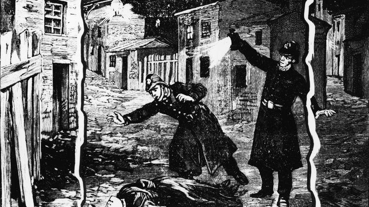 Sur cette illustration, la police découvre le cadavre d'une femme, probablement Catherine Eddowes, à Londres, en septembre 1888. (HULTON ARCHIVE / HULTON ARCHIVE / GETTY IMAGES)