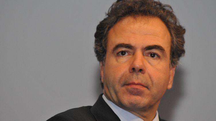 Luc Chatel assiste au 94e Congrès des maires à Paris le 23 novembre 2011. (ZAER BELKALAI /CITIZENSIDE.COM / AFP)