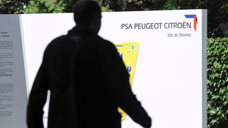 Site PSA Peugeot Citroën de Rennes, à Chartres-en-Bretagne, le 28 août 2012. (Photo d'illustration) (THOMAS BREGARDIS / AFP)