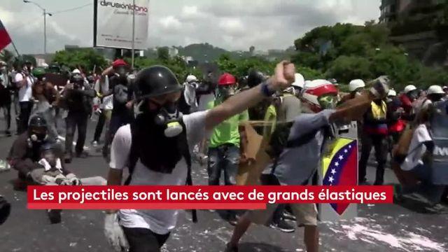 """Venezuela : l'opposition  s'arme de """"cacatov"""""""