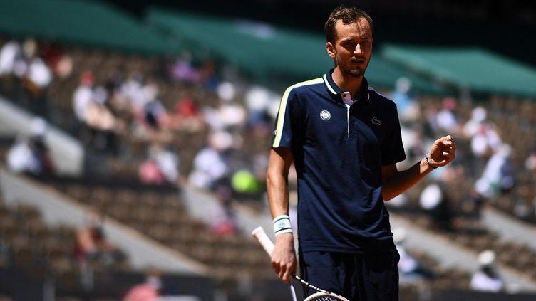 Daniil Medvedev s'est imposé face à Alexander Bublik au premier tour de Roland-Garros. (ANNE-CHRISTINE POUJOULAT / AFP)