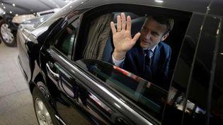 Emmanuel Macron, candidat d'En Marche à la présidentielle française, en visite à Alger, le 13 février 2017. (RAMZI BOUDINA / REUTERS)