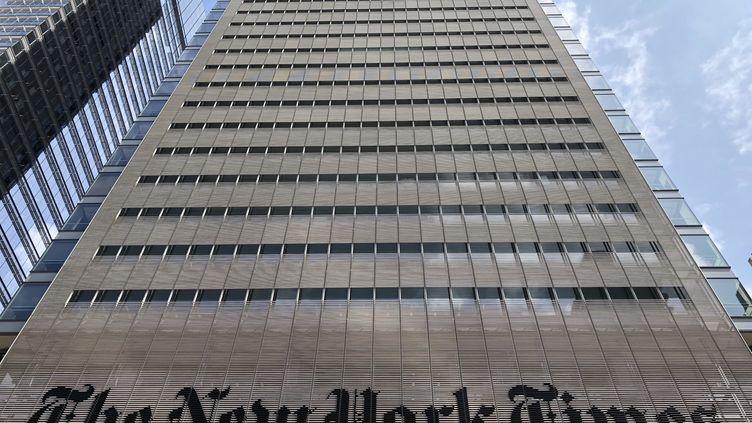 L'immeuble du New York Times, sur la 8e avenue à New York, le 21 août 2018. (DANIEL SLIM / AFP)