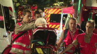 Un homme de 100 ans a perdu la vie dans l'incendie d'un Ehpad du 16e arrondissement de Paris dimanche 15 septembre. Deux femmes ont été hospitalisées, dont une dans un état grave. (FRANCE 3)