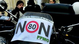 Des motards manifestent contre la limitation à 80 km/h sur les routes secondaires, le 24 février 2018, à Lyon, à l'appel de la Fédération française des motards en colère. (MAXPPP)