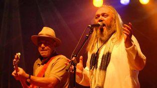 Claude Demet sur scène avec Christian Décamps  (Ollivier38)
