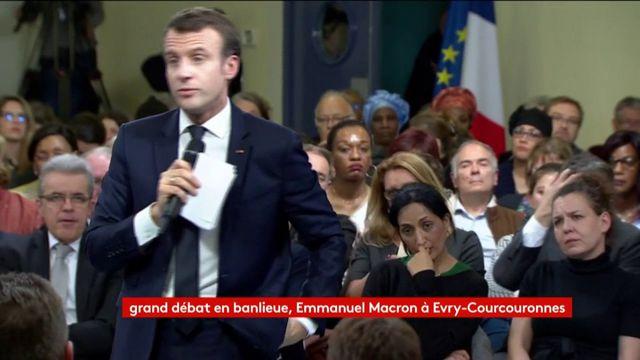 """La suppression des contrats aidés a """"fait souffrir"""", reconnaît Emmanuel Macron"""