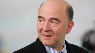 Pierre Moscovici, le ministre de l'Economie, le 12 avril 2013 à Dublin (Irlande). (PETER MUHLY / AFP)